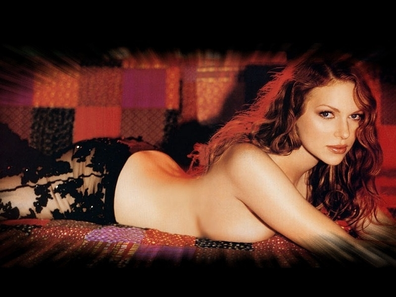 nude pictures of laura prepon  230900